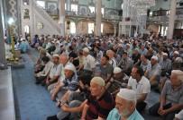 SADAKA - Camilerde 15 Temmuz Şehitleri İçin 100 Bin Hatim Duası Yapıldı