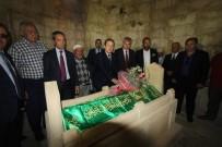 BAYBURT ÜNİVERSİTESİ REKTÖRÜ - Dede Korkut, Mezarı Başında Anıldı