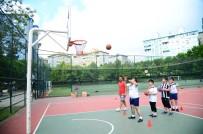 BEYLIKDÜZÜ BELEDIYESI - Engelli Çocuklar Yaz Spor Okulu'nda Yeteneklerini Geliştiriyor