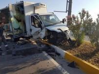AKDENIZ ÜNIVERSITESI - İki Aracın Çarpıştığı Kazada Hemşire Hayatını Kaybetti