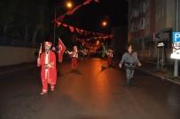 MEHTERAN TAKıMı - Karslılar 15 Temmuz Şehitlerine Mehter Marşıyla Yürüdü