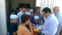 ALI ÖZKAN - Kaymakam Kaya Vatandaşlara Lokum Dağıttı