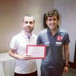 MANCHESTER - Malatyalı Antrenör Türkiye'de Bu Belgeyi Alan 46. Antrenör Oldu