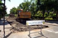 YAYA TRAFİĞİ - Salihli'de Kent Merkezi Yollarına Yenileme