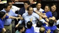 TAYVAN - Tayvanlı Milletvekilleri Birbirine Girdi