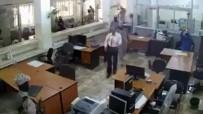 SİLAHLI SOYGUN - Yemen Merkez Bankası Müdürü Silahlı Soygunda Öldürüldü