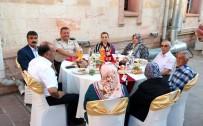 İL BAŞKANLARI - Yozgat Valiliği Tarafından Şehit Ve Gazi Yakınları Onuruna Yemek Verildi