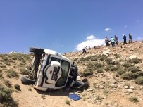 KÖY KORUCUSU - Bitlis UMKE Aracı Kaza Yaptı Açıklaması 2 Yaralı