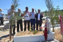 VATANSEVER - CHP'den 15 Temmuz Şehidinin Mezarına Ziyaret