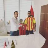 EMANUEL - Emanuel Dening Yeni Malatyaspor'da Sözleşme İmzaladı