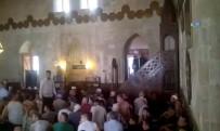 ARBEDE - FETÖ'cüler Rahat Durmuyor Açıklaması Camide Olay Çıkardılar