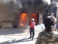 ELEKTRİK KAÇAĞI - İdlib'te Fırında Çıkan Yangını İHH Ekipleri Söndürdü