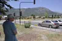 ÇEVRE YOLLARI - Işık İhlaline Sivil Trafik Polisi Ve Kameralı Denetim