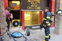FUZULİ - Komşuların Dikkati Yangını Önledi
