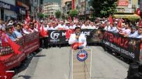 EĞITIMCILER BIRLIĞI SENDIKASı - Memur-Sen, 15 Temmuz Şehitleri İçin Yürüdü