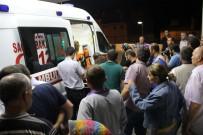 KÖY MUHTARI - Minibüs Şarampole Yuvarlandı Açıklaması 4 Ölü, 9 Yaralı