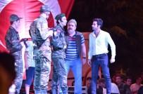 Uşak'ta 15 Temmuz Programına 'Şehir Tiyatrosu' Damga Vurdu