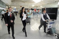 MANKEN - Adriana Lima ülkeyi terk etti!