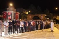 SABAH NAMAZı - Ahlat'ta Sabah Namazı Meydanda Kılındı