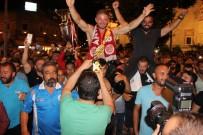 BALABAN - Altın Kemeri Taktı Soluğu Demokrasi Nöbetinde Aldı