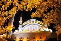 CAMİ İMAMI - Elazığ'da Tüm Camilerde Sala Okundu