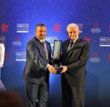 BASıN YAYıN VE ENFORMASYON GENEL MÜDÜRLÜĞÜ - Haber'de Türkiye Birincisi Olan Mehmet Demir'in Ödülünü Başbakan Yıldırım Verdi