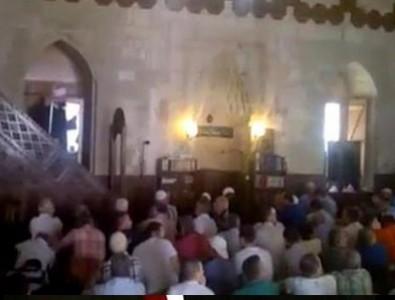 İmam vaaz verirken FETÖ'cüler bir anda ayağa kalktı! Cemaat ise...
