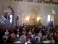 PROVOKASYON - İmam vaaz verirken FETÖ'cüler bir anda ayağa kalktı! Cemaat ise...