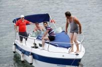 KÜÇÜK ÇOCUK - Kocaeli'de Tekne Battı Açıklaması 1 Kayıp, 2 Kişinin Durumu Kritik