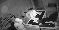 ÖĞRETMENLER - Okula Giren Hırsızlar Kamerada