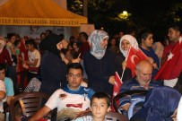 TÜRKLER - Suriyeliler İle Türkler El Ele Demokrasi Nöbetinde