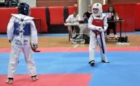 Uşak'ta 15 Temmuz Şehitleri İçin Taekwon-Do Turnuvası Düzenlendi