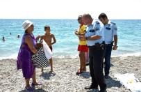 PARIS - 3,5 Saat Denizde Kalınca Polis Alarma Geçti