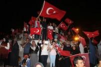 KAHRAMANLıK - Demokrasi Nöbetinin İkinci Gününde Meydanlar Dolup Taştı