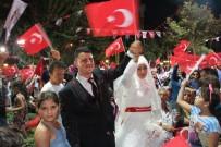 SAYGI DURUŞU - Düğün Öncesi Demokrasi Nöbeti