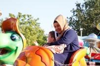 SOSYAL HİZMETLER - Eğlence Engellere Takılmadı
