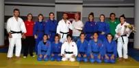 GENÇ KIZLAR - Genç Milli Judoculara, Salihlili Taraftarlardan Destek