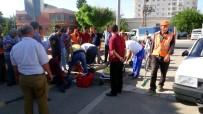 MEHMET METIN - Kilis'te, Motosiklet Otomobil İle Çarpıştı Açıklaması 3 Yaralı