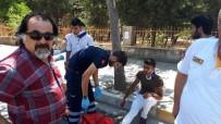 ADLİYE BİNASI - Motosiklet Devrildi Açıklaması 2 Yaralı