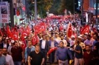 AHMET ŞAFAK - Onbinler, Şeref Meydanı'nda Demokrasiye Sahip Çıktı