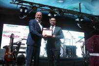 BÜROKRASI - Pursaklar Belediye Başkanı Çetin'e 'Yılın Kültür Projesi Ödülü'