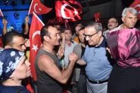ÇANAKKALE ZAFERI - Vali Su, Demokrasi Nöbetinin İkinci Gününde De Vatandaşlarla Birlikte Oldu