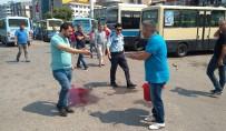 BÜLENT ECEVİT ÜNİVERSİTESİ - Zonguldak'ta Dolmuşçular Birbirine Girdi; 3 Yaralı