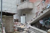 Balkon Çöktü Açıklaması 2 Yaralı