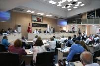 AYRIMCILIK - Büyükşehir'den 3 Bin Öğrenciye Eğitim Yardımı