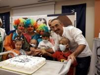 BEYİN TÜMÖRÜ - Çocuğunu Kaybetti, Onlarca Çocuğu Güldürüyor