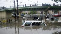 İSTANBUL VALİSİ - En Son Büyük Sel Felaketi 2009 Yılında Yaşanmıştı