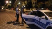 ARSLANBEY - Evini Bulamayan Yaşlı Adama Jandarma Ve Polis Yardımcı Oldu
