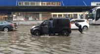 MARMARA BÖLGESI - İstanbul'da Sağanak Yağış Etkili Oluyor