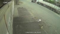 HIRSIZLIK BÜRO AMİRLİĞİ - Lüks Otomobilli Akü Hırsızı Kamerada